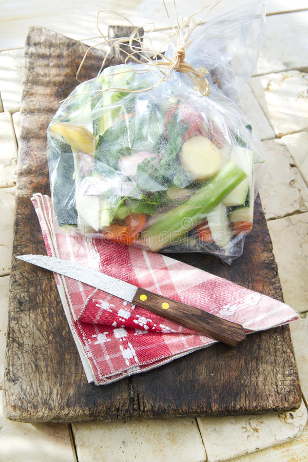 Legumes misturados no saco protetor foto de stock royalty free