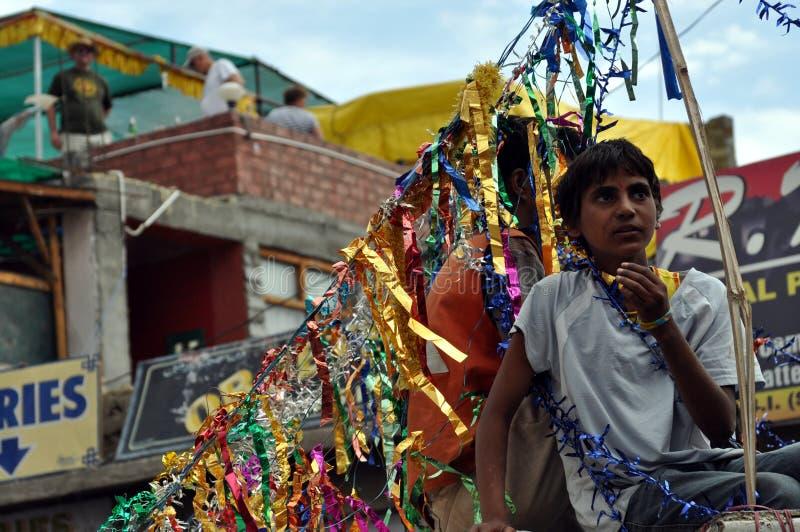 Leh (印度, Ladakh) -在街道上的印度庆祝 库存图片