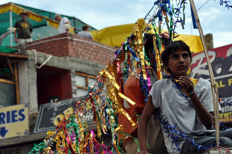 Leh (India, Ladakh) - celebrazione indù sulle vie immagine stock