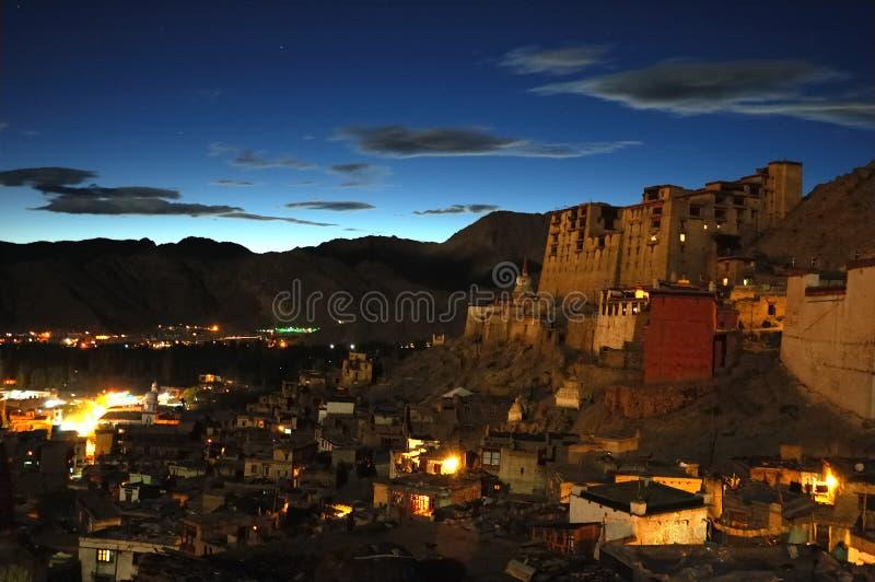 Leh par nuit photo libre de droits