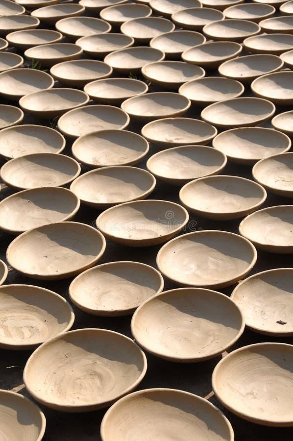 Lehm rollt, trocknend in The Sun, Vietnam lizenzfreie stockfotos