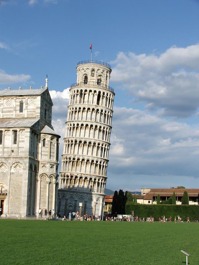 Lehnender Kontrollturm von Pisa lizenzfreies stockfoto