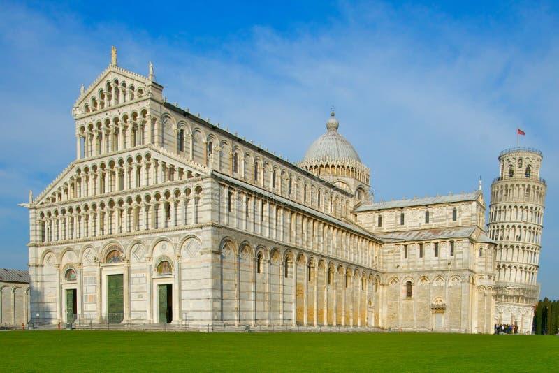 Lehnender Kontrollturm von Pisa stockbilder