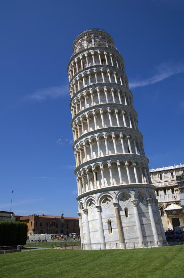 Lehnender Kontrollturm von Pisa in Italien lizenzfreie stockfotografie