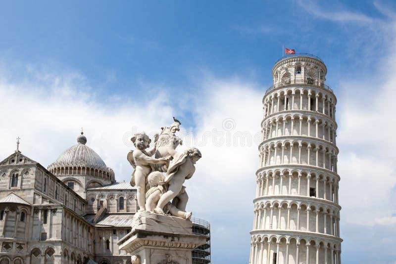 Lehnender Turm von Pisa und von Catherale lizenzfreies stockfoto