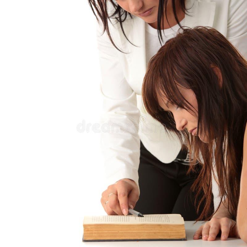 Lehrer und Kursteilnehmer lizenzfreies stockfoto