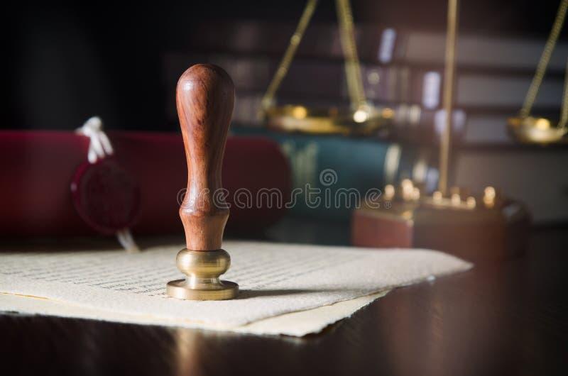 Lei, legal, conceito do notário Selo da cera no papel feito a mão foto de stock
