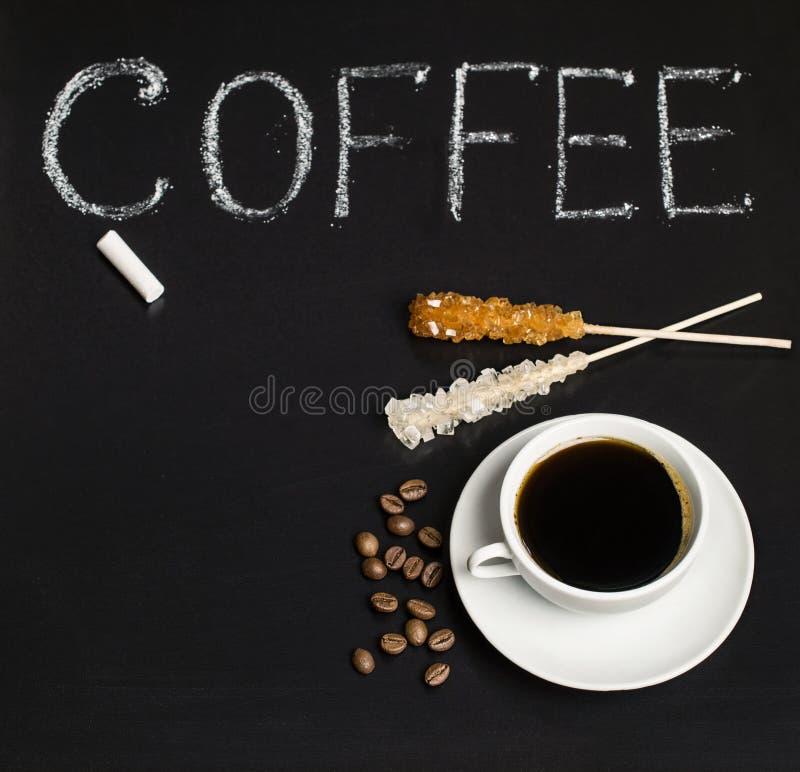 Lei met inschrijving en koffie stock afbeeldingen