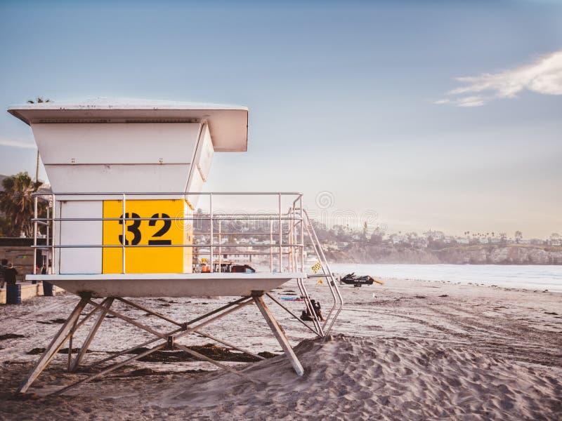 Leibw?chterkontrollturm auf Strand
