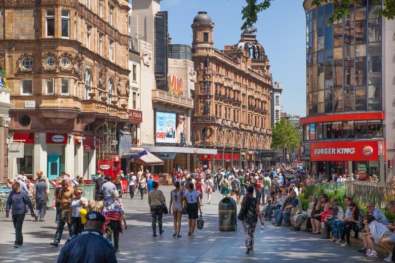 Leicester regelt, populaire plaats met bioskopen, koffie en restaurants, Londen royalty-vrije stock fotografie