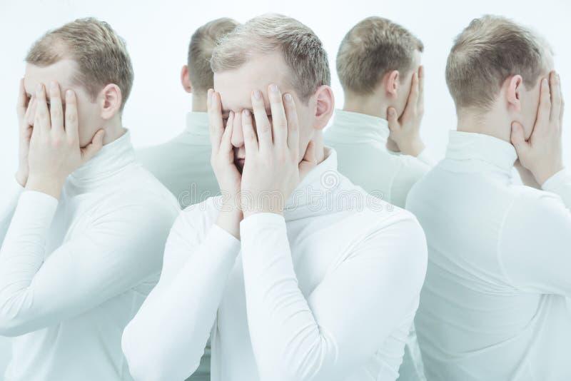 Leiden unter Identitätsstörung stockbild