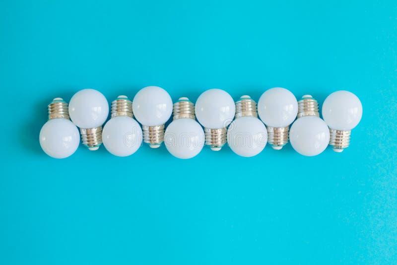 LEIDENE lampen op blauwe achtergrond royalty-vrije stock fotografie