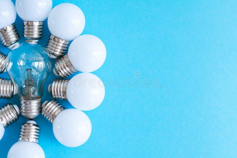 LEIDENE lampen op blauwe achtergrond royalty-vrije stock afbeeldingen