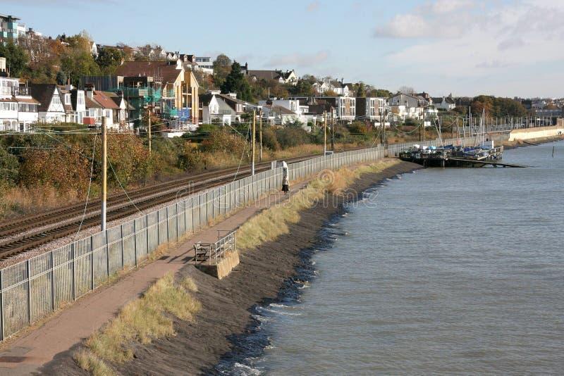 Leigh на железнодорожном пути моря стоковые изображения