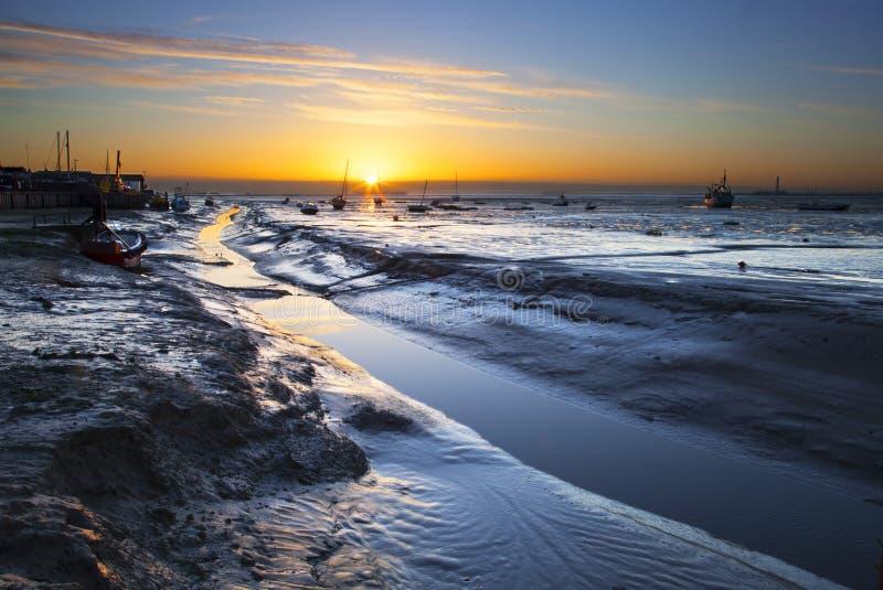 Leigh en salida del sol del mar imágenes de archivo libres de regalías