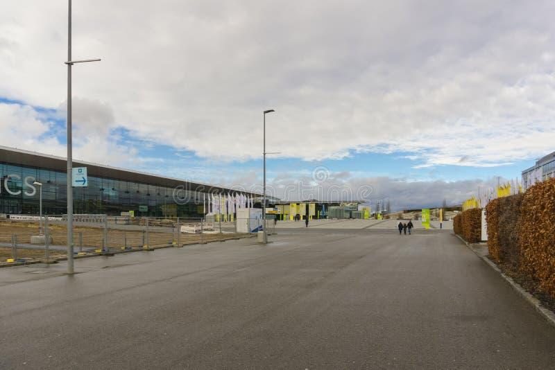 LEINFELDEN-ECHTERDINGEN, ALEMANHA - JANEIRO 27,2019: O local da exposição esta área grande está perto do aeroporto imagens de stock