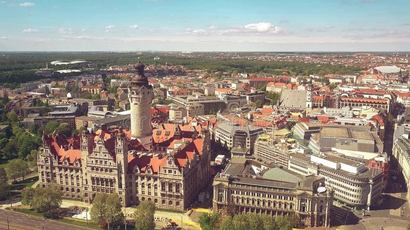 LEIPZIG, ALLEMAGNE - 1ER MAI 2018 Vue aérienne du Neues Rathaus ou ville nouvelle Hall dans le paysage urbain images stock