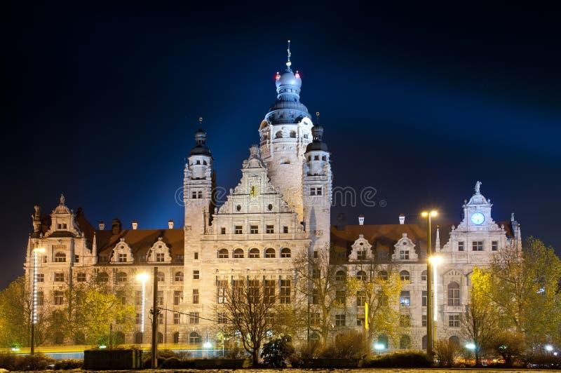 Leipzig bij nacht stock foto