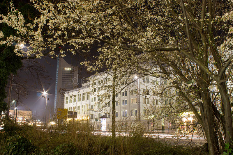 Leipzig bij nacht stock afbeeldingen
