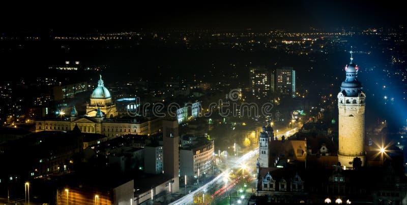 Leipzig nachts lizenzfreies stockbild