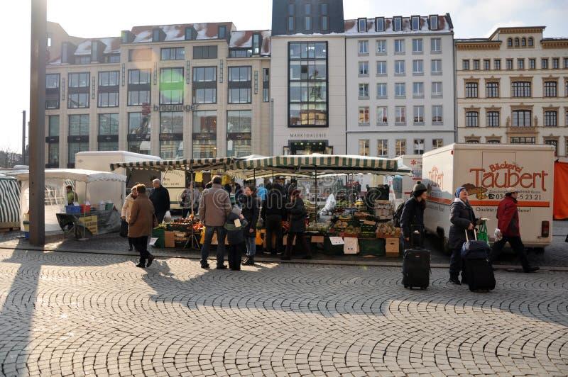Ludzie chodzi w centrum Leipzig zdjęcia royalty free