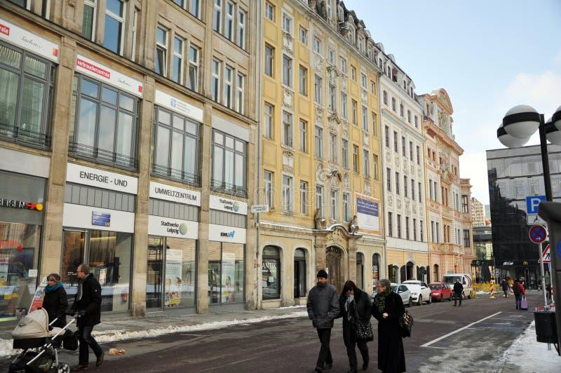 Ludzie chodzi w centrum Leipzig zdjęcia stock