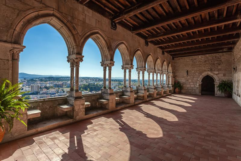 Leiria, Portugal Loggia des gotischen prachtvollen Wohnsitzes alias Pacos Novos der Leiria-Kaste stockfoto
