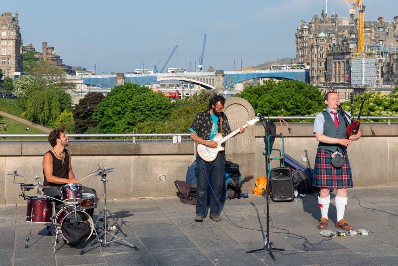 Leistung Band spinnenden Blowfish in Edinburgh lizenzfreies stockbild