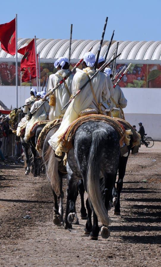 Leistung der traditionellen Fantasie in Marokko lizenzfreies stockbild