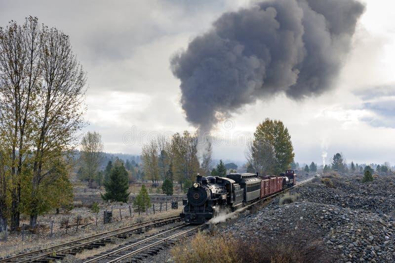 LEITARTIKEL am 18. Oktober 2015 historische Dampf-Züge und Erbeisenbahn der Sumpter-Tal-Eisenbahn oder Eisenbahn, Sumpter Oregon stockfoto