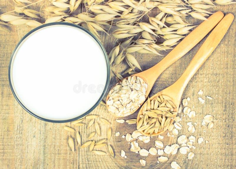 Leite da aveia, o conceito de uma dieta do vegetariano fotos de stock