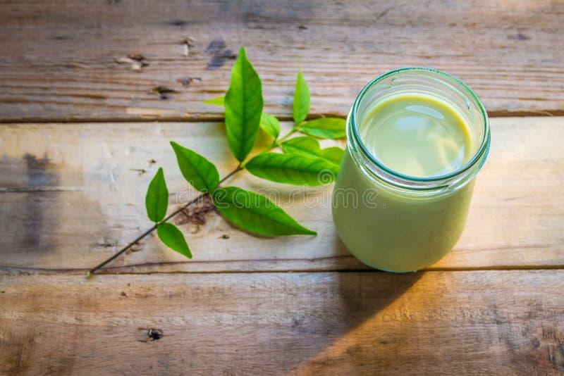 Leite do chá verde de Matcha fotos de stock