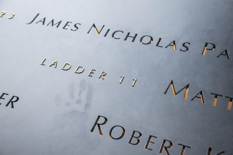 Leiter 11 und gefallen, 9/11 Denkmal stockfotografie