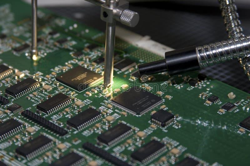 Leiterplatte-Kontrolle lizenzfreie stockfotografie