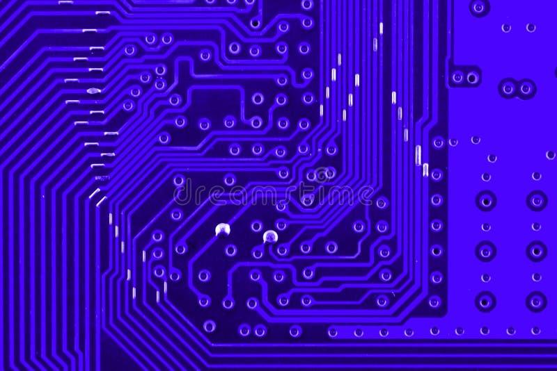 Leitfähige Bahnen auf dem Motherboard der Leiterplatte schließen Makro lizenzfreies stockfoto