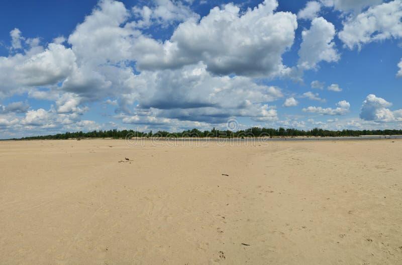 Leito fluvial seco de Vistula imagem de stock