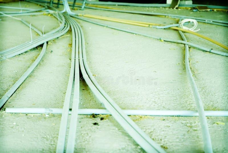 Leitungen an der Baustelle stockfoto