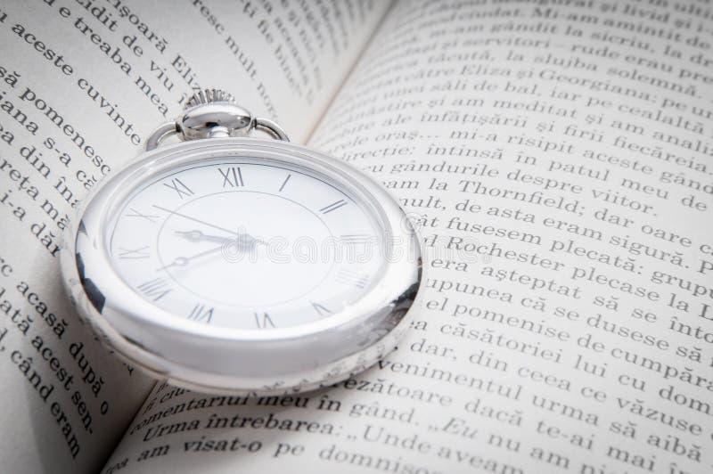 Leitura e tempo fotos de stock royalty free