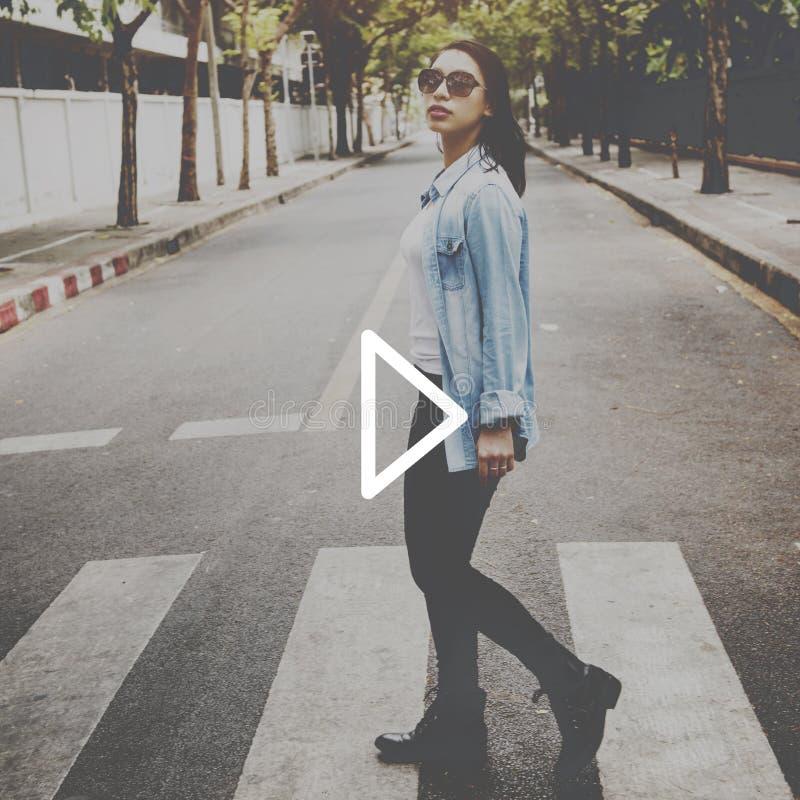 Lek som spelar begrepp för aktivitet för lycka för musikfritid roligt fotografering för bildbyråer