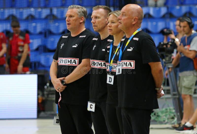 Lek Ukraina för handboll för bestämningar för EHF-EURO 2020 V Danmark arkivbilder
