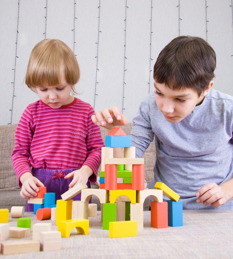 leka för childs royaltyfri bild