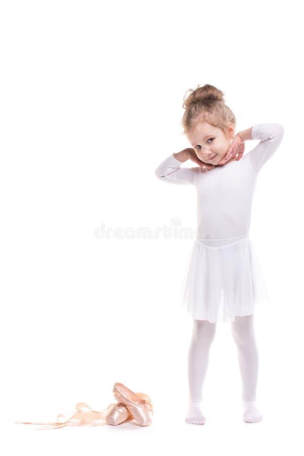 leka för flicka Liten dansare på en vit arkivfoto