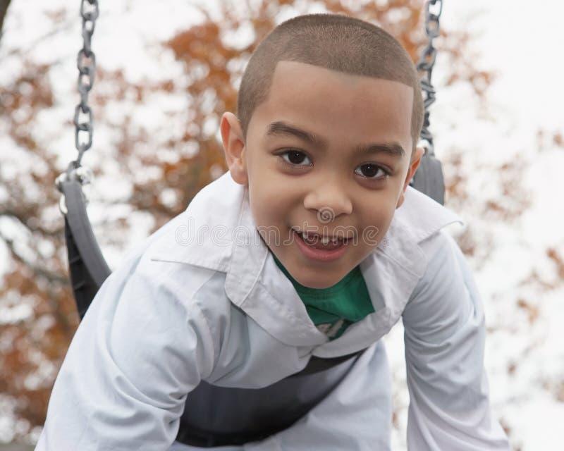 leka för pojkelatinamerikan royaltyfri fotografi