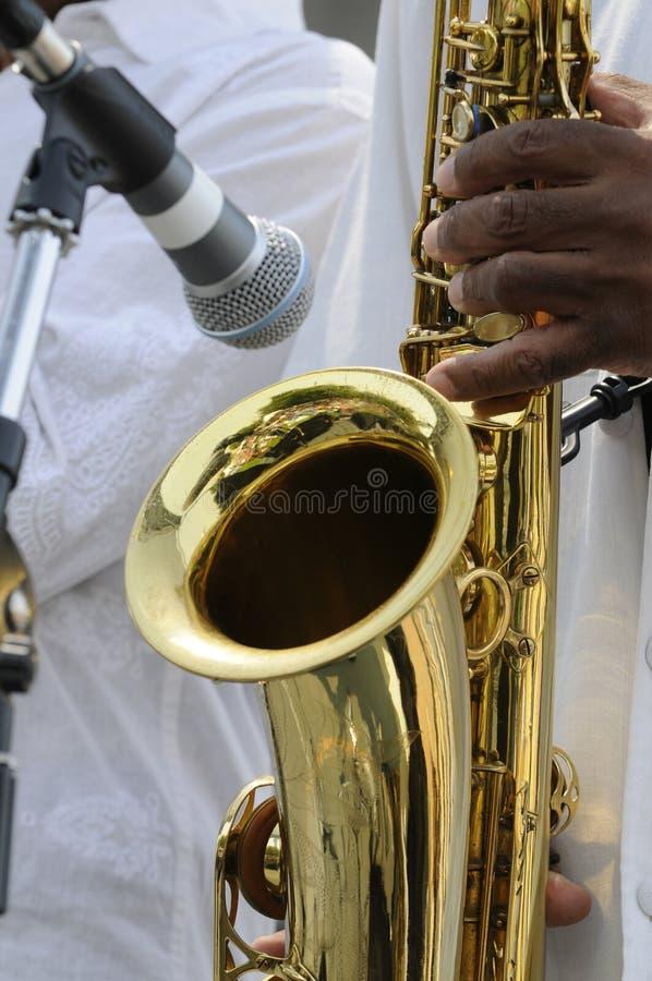 Leka för saxofonist royaltyfria foton
