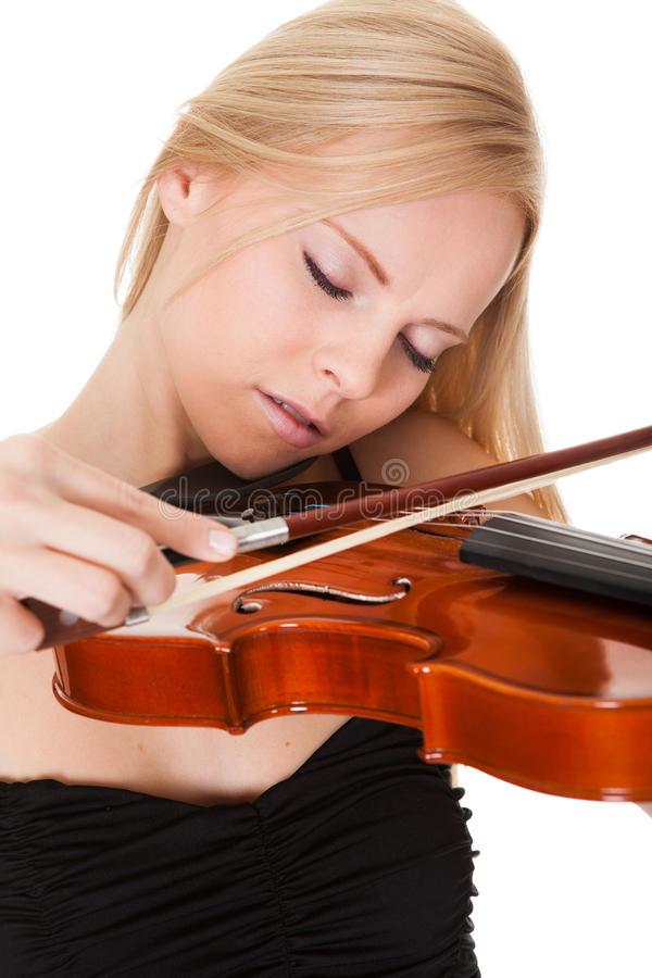 Leka fiol för härlig ung kvinna fotografering för bildbyråer