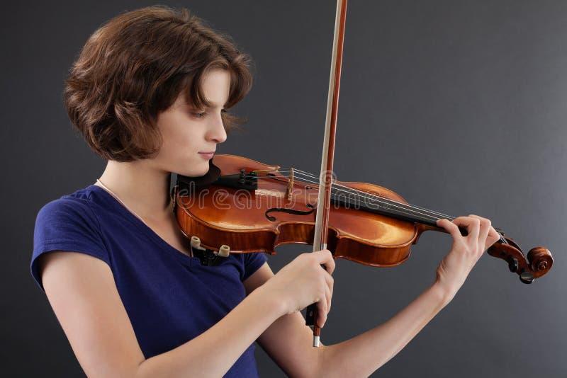 leka fiolbarn för kvinnlig fotografering för bildbyråer