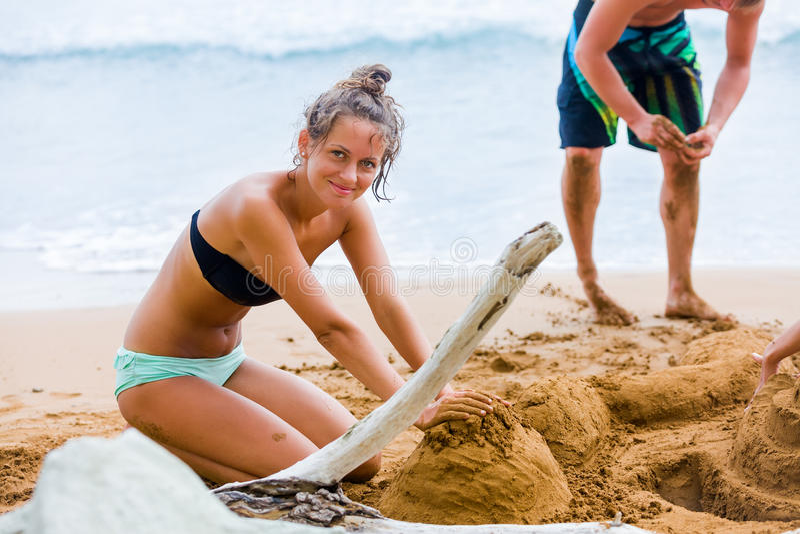 Leka i Sand royaltyfri fotografi
