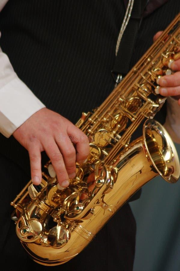 leka saxofon royaltyfri fotografi