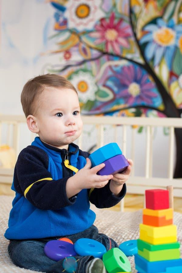 Leka toys för barn royaltyfri foto