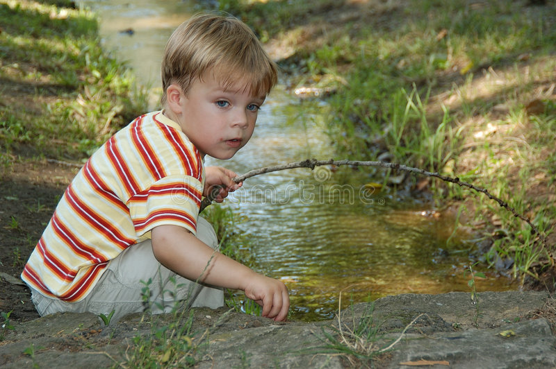 Download Leka vatten arkivfoto. Bild av ferie, familj, sommar, ungar - 239674